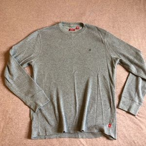IZOD LONG SLEEVE - LARGE - NEW W/ OUT TAGS